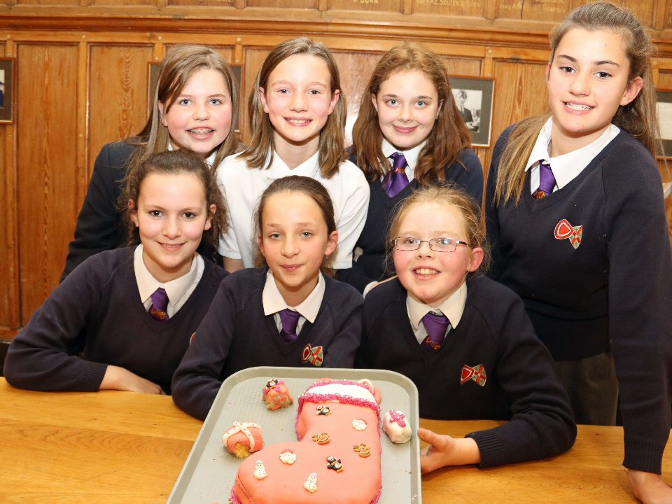House honours were at stake in cake decorating contest