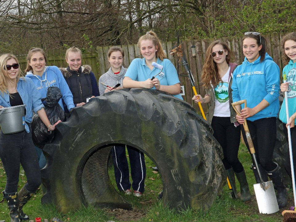 Barnard Castle School descended on Ducklings Day Nursery to help tidy and brighten the outdoor play area