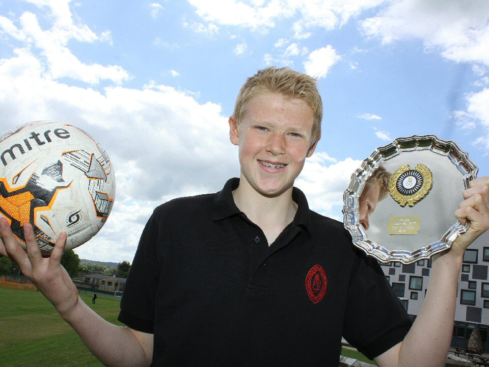 Richmond School and Sixth Form student signs deal with Sunderland Football Academy