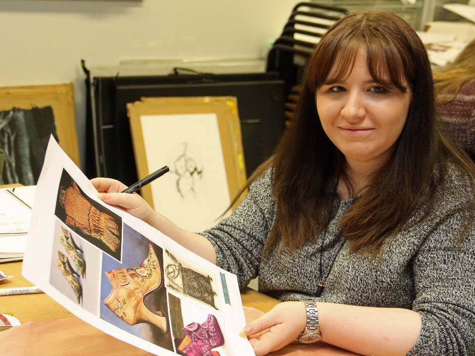 Fine art students from Darlington College draw on fashion project at Durham Cathedral