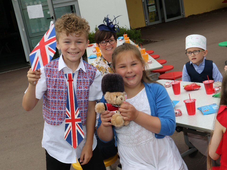 Springfield Academy mark Harry and Meghan's big day