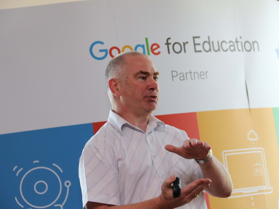 Darlington College hosts seminar on the learning benefits of the latest technology
